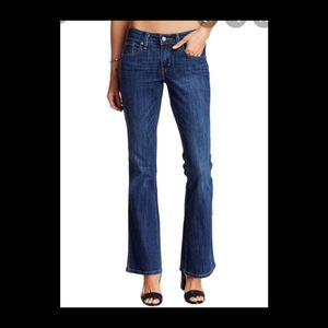 Levis 518 low boot cut woman size 5 blue jeans